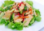 コンビニで人気のサラダチキン!ダイエット中にオススメの食べ方